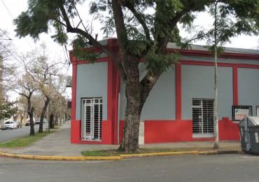 Alquilo local en esquina en calle Urquiza y Mendoza